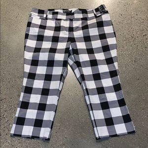 NWT Checkered Crop Pant!